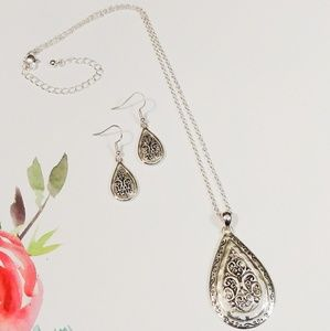 Jewelry - Silver Teardrop Scroll Pendant & Earrings Set